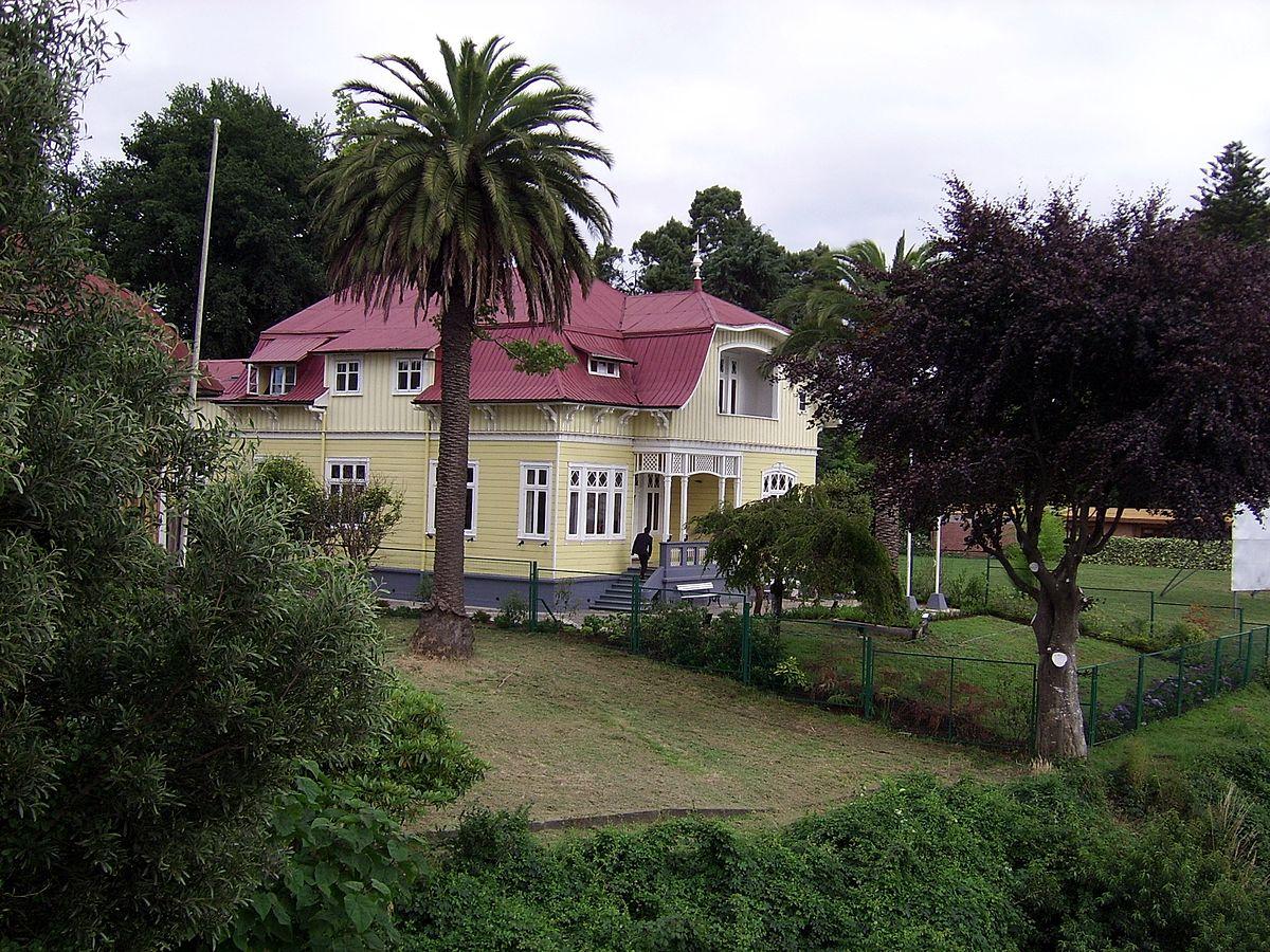 Temuco a valdivia pasajes de bus en for Cementerio jardin del mar